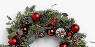 Image of ruby bauble wreath