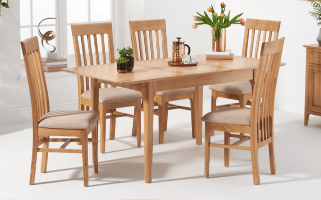 Solid Oak 6 seater table and chairs