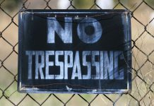 Image of the words no trepassing
